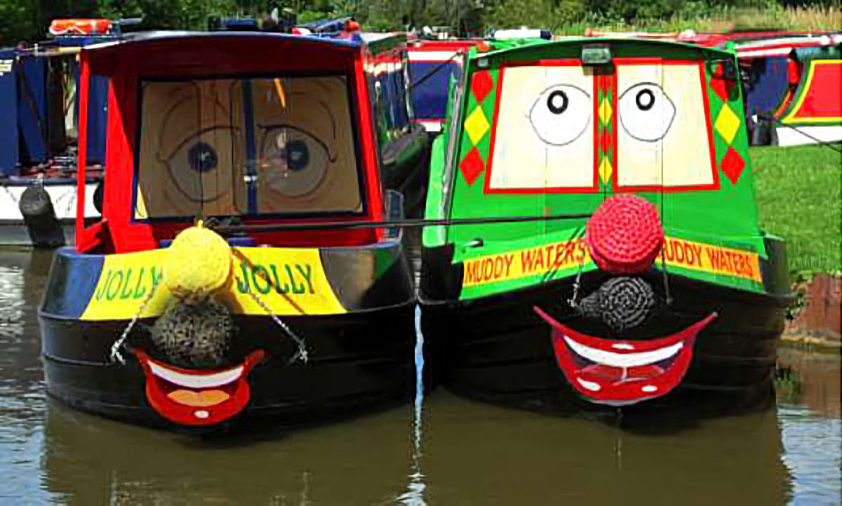 Kids on the Canal with 'Muddy Waters'